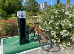 *محطاّت خدمة ذاتيّة لتصليح الدراجات، لمستخدمي الدراجات الهوائيه في حيفا* !!!