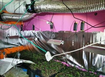 مختبرا لترويج المخدرات داخل شقة سكنية في مدينة حيفا