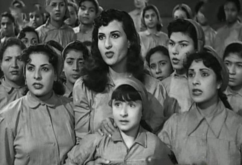 صورة من فيلم 4 بنات وضابط بلطف عن الشبكة.