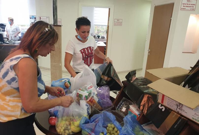 حيفا: المشروع الخيري لمد يد العون للجيل الثالث   ما زال مستمرا !