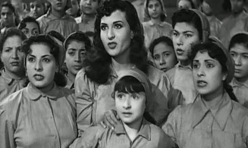 """صورة من فيلم """"4 بنات وضابط"""" بلطف عن الشبكة."""